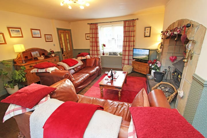 3 Dukes Cottage, Backworth, ideal for families