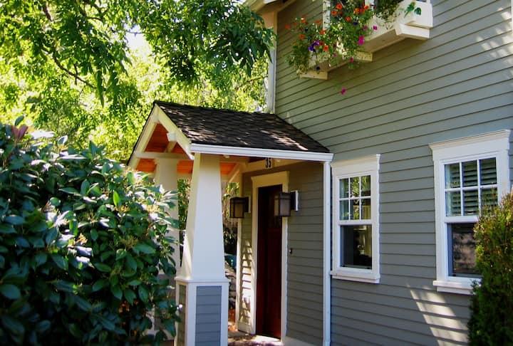 Charming Historic District Cottage