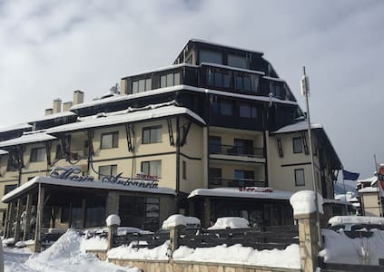 Apartment in 4* hotel with pool, next to ski lift - Bansko