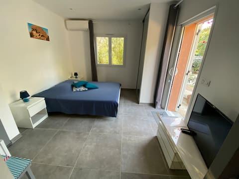 Grande Chambre privée (Grossetu)luxe, 16m2, SDBain