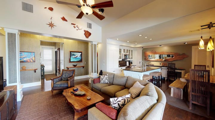 Penthouse With Best Oceanview Lanai On Kauai 5 Star Designer furnishings