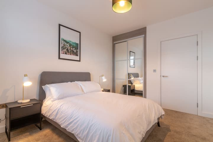Chic Interior Designed Apartment -NEC/BHX/Solihull