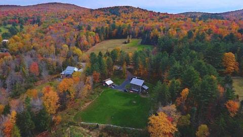 Green Mountain Getaway- Artful Space Gorgeous View
