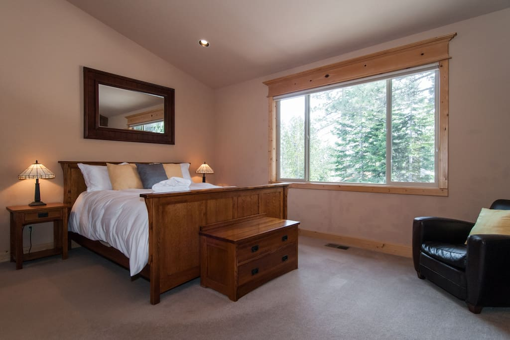 Master Bedroom, with King bed
