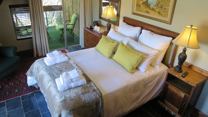 The NorthCliff View City Room
