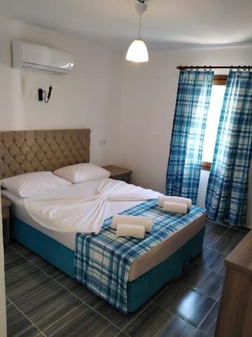 Gümbet Denize sıfır çift kişilik otel odası