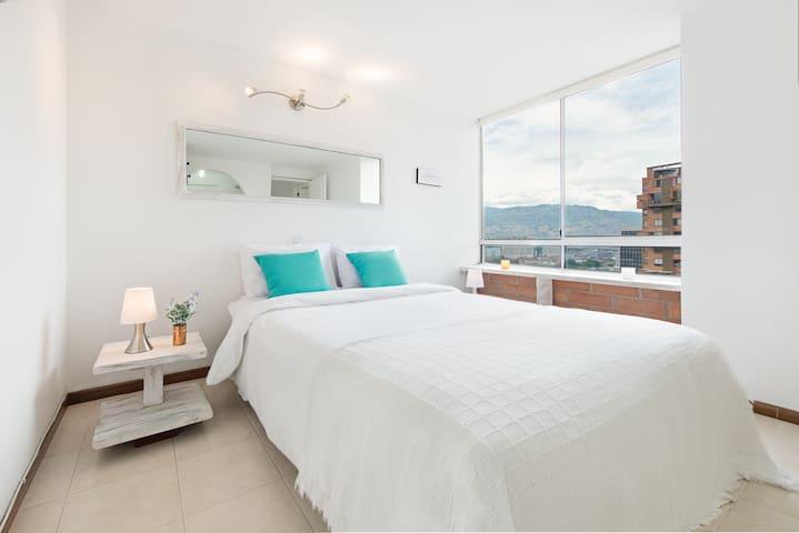 Good Location Comfort & Views 2 rooms 2wc Poblado!