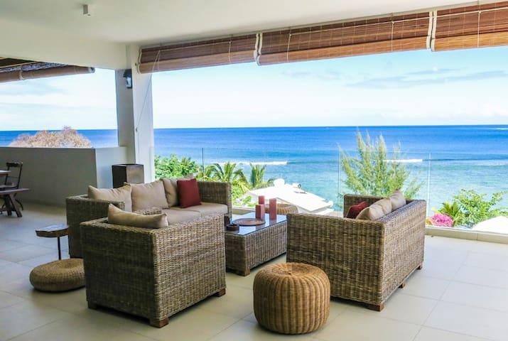 Veranda Lounge