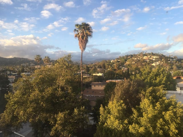 Killer View - 1 br. in the heart of Sunset Jct.
