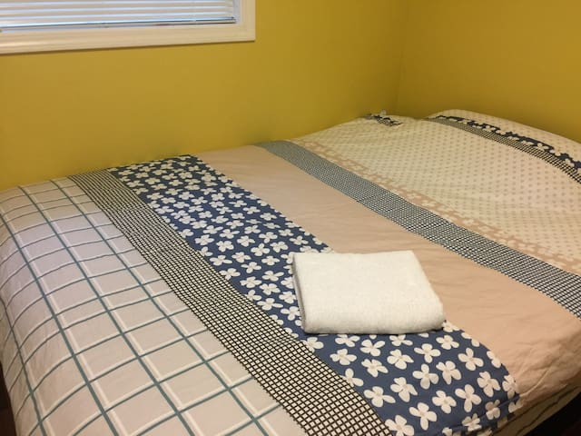 Clean New queen Mattress bedroom