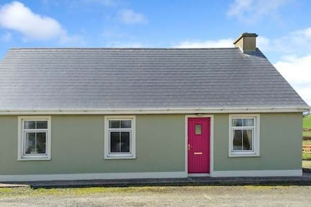 Sea View Cottage in West Clare - Carrigaholt - Hytte