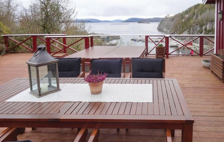 Vacation rental - Fogn, Norway Only 80m from fjord - Fogn - Cabin