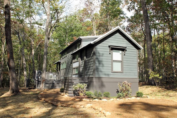 Mountain Top Mini Home at The Retreat at Deer Lick Falls