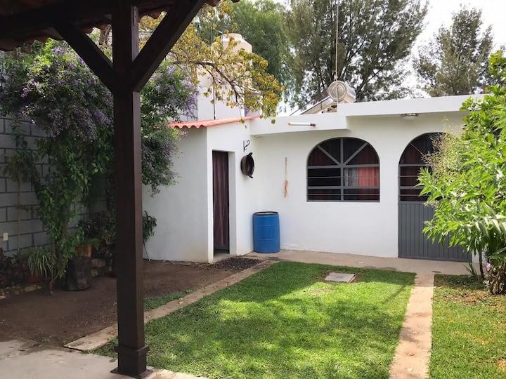 Hermosa, práctica y cómoda casa de un solo piso