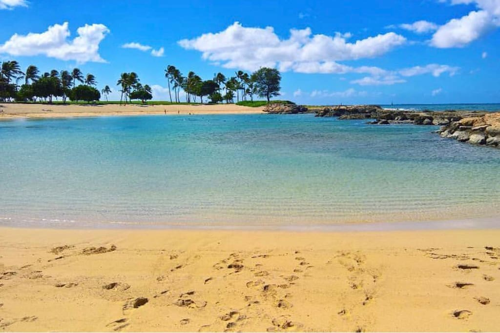Lagoons are child-friendly and offers great snorkeling experience