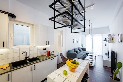 Absolute Patras Centre !! King George Square Flat