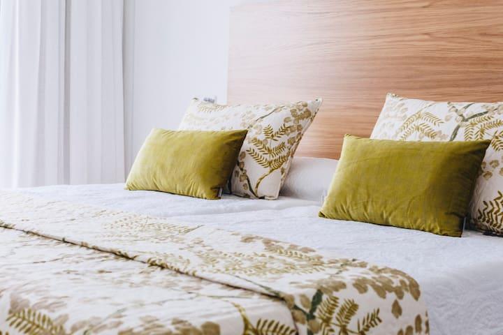 APARTAMENTO VISTA AL MAR 1 hab y sofa cama doble