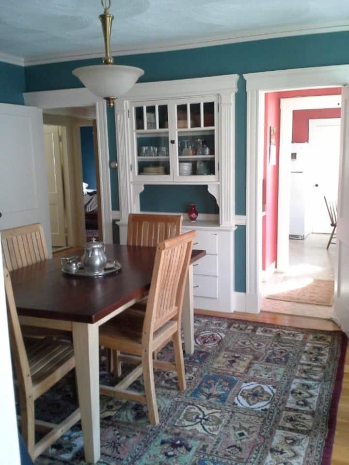 Charming apartment, convenient location