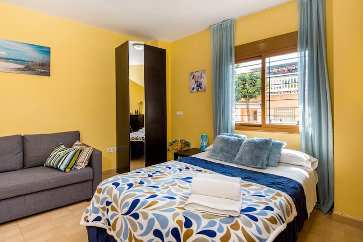 Charming Studio Apartment in Good Location with Wi-Fi and Air-Conditioning