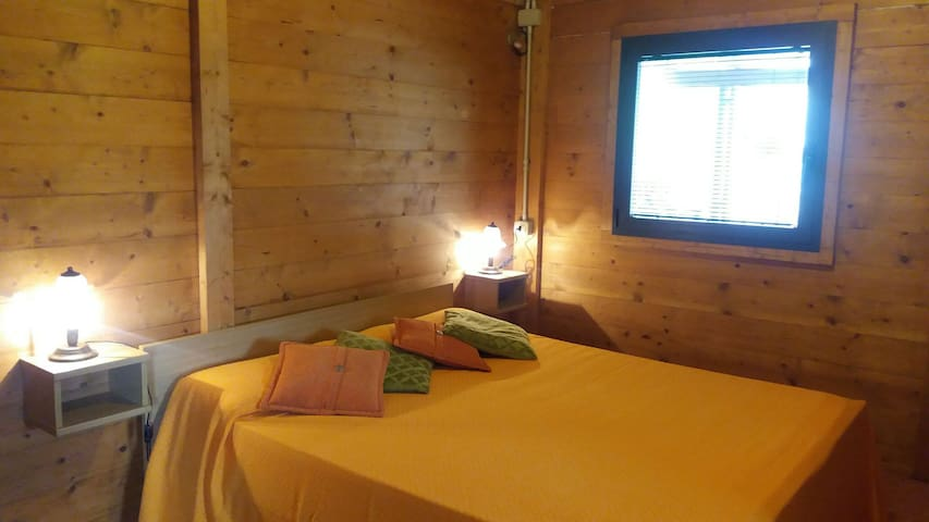 Casetta di legno immersa nel verde - Cavo - Huoneisto