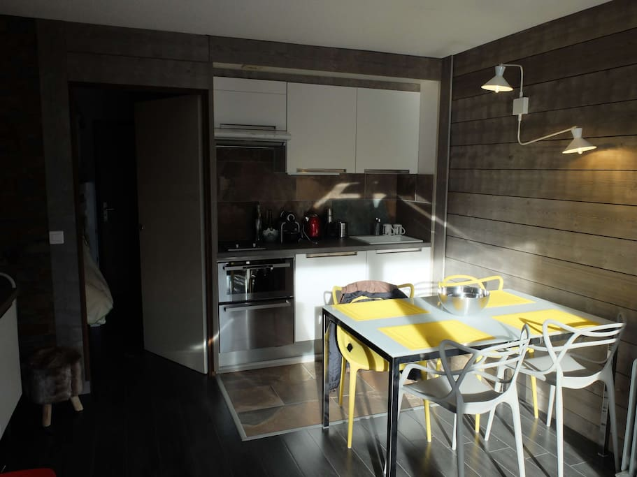 The kitchen's fully equipped, dishwasher and oven are included...