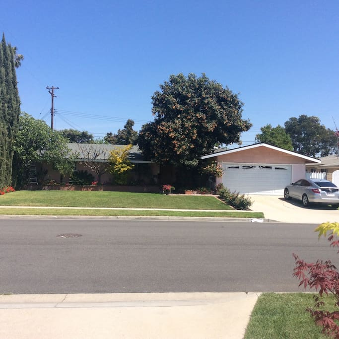 Near Disney With Beautiful Yard And Pool Houses For Rent In Garden Grove California United