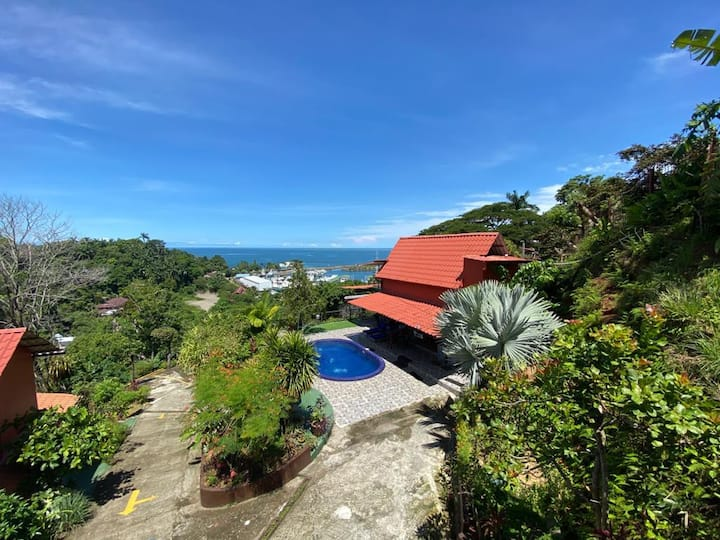 La Casita Pool and Ocean Views