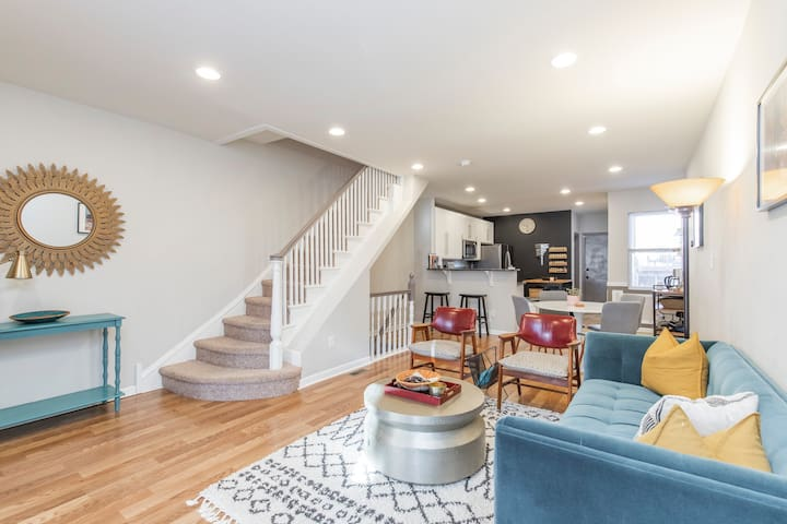 Relax in a Modern Eclectic Rowhome in West Philly