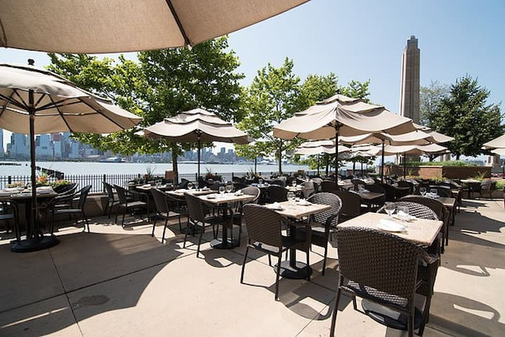 Son Cubano's outdoor dining during the summer.