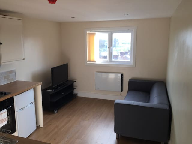 Charming Studio Apartment - Liverpool - Byt