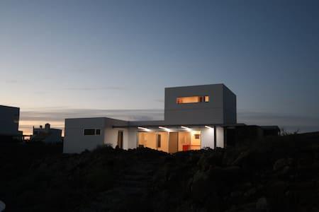 La Bombonera, modern villa in Lajares - La Oliva
