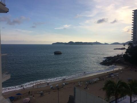 Lindo departamento en la costera con vista al mar