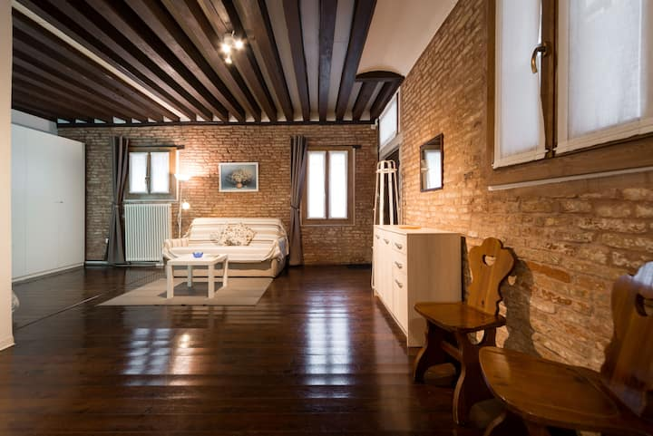 Ground floor apartment in the heart of Cannaregio