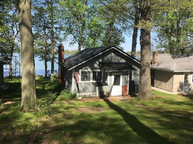 Summer Cottage on Shipshewana Lake.