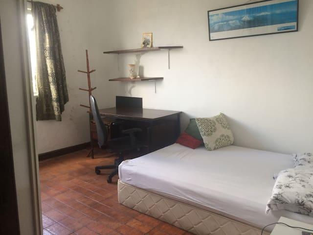 01 quarto com banheiro - Salvador - Apartment