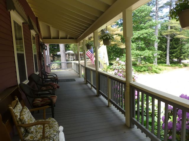 Bartlett Inn Bed And Breakfast (Inn Rm. 2)