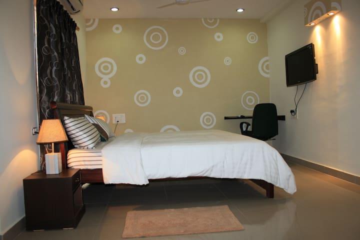 OneBedroom Serviced Apts with Kitchen,Madhapur - Hyderabad - Departamento
