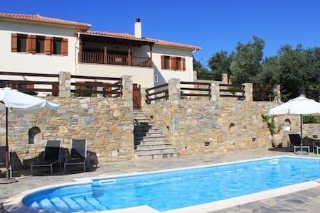 Villa Daphne - Chorto - Huvila