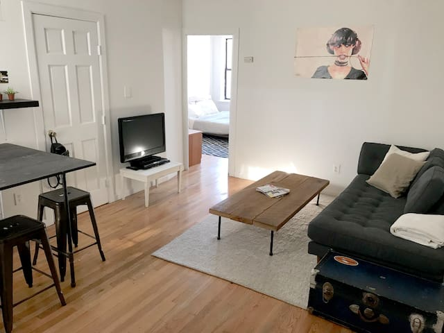 Beautiful & Sunny Room in South Williamsburg