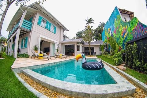 The Toucan House w/heated pool near the beach!