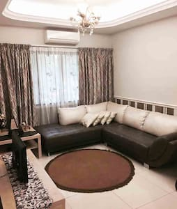 KL Cosy Home For Vacation | FREE WIFI