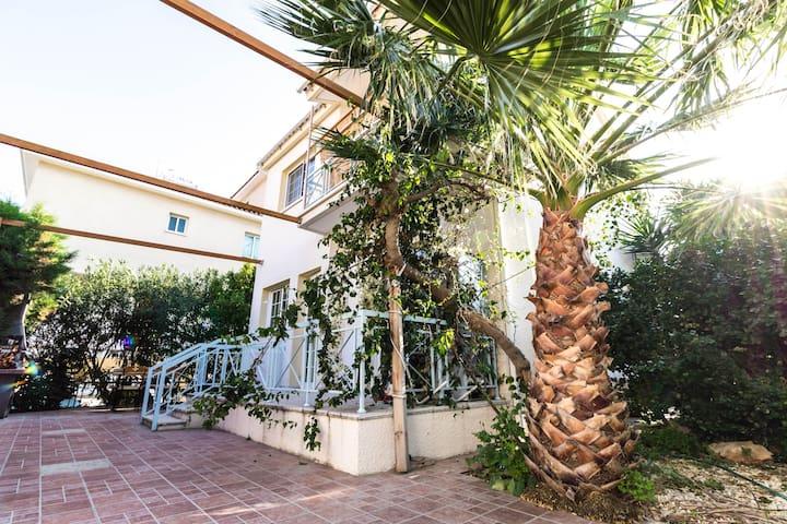 Lemoney Villa