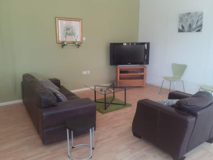 Spacious one-bedroom apartment in Accra