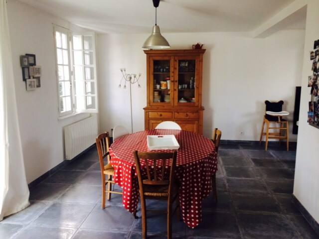 Agréable maison de vacances à 200 m de la plage - Île-Tudy - House