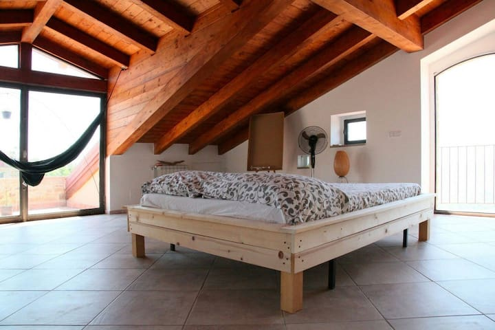 Tenuta Santa Caterina - Wooden attic room