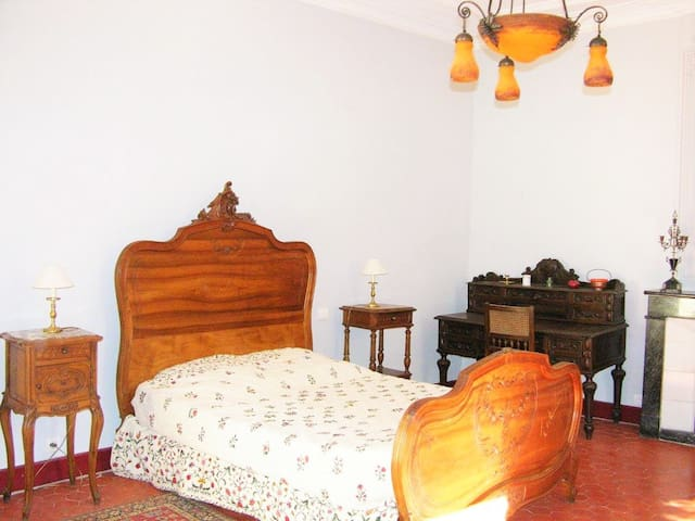 Authentic Winemaker's House - Saint-Dézéry - House