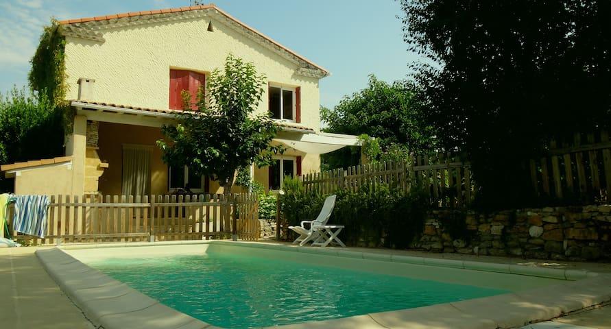 Villa piscine entre Nimes/Uzes/Alès - Moussac - Hus