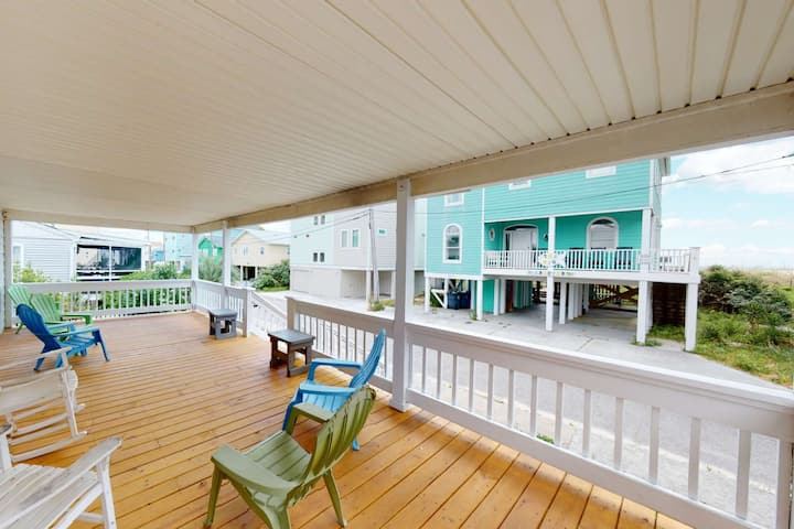 2nd Row, Great Location, Plenty of Parking, Pet Friendly, Affordable Carolina Beach Cottage