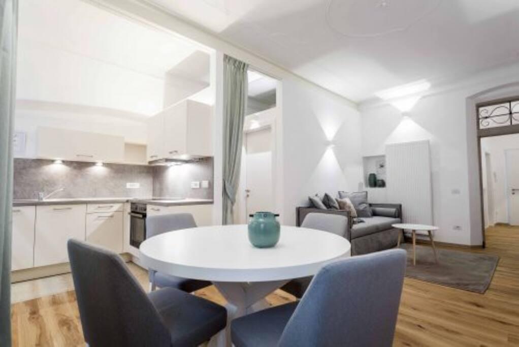 Laubenhaus bilocale con vista citt l8 appartamenti for Appartamenti in affitto arredati a bolzano
