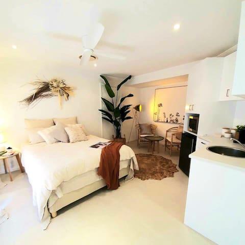 🌴MONACO Suite 1 New luxurious self sustain suite